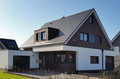 massivhaus bauen nrw modernes einfamilienhaus mit satteldach schl sselfertiges bauen zum. Black Bedroom Furniture Sets. Home Design Ideas