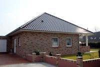 ebenerdiger massivhaus bungalow mittelrhein niederrhein zeltdach walndach. Black Bedroom Furniture Sets. Home Design Ideas